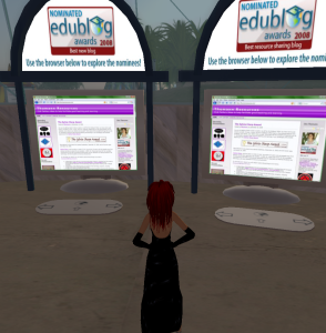Emanna Romano looking at her blog nominations in SL